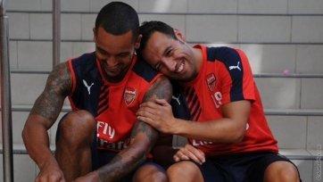 Официально: Уолкотт и Касорла пролонгируют свои соглашения с «Арсеналом»
