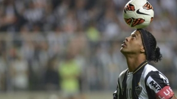 Роналдиньо дебютировал за «Флуминенсе»