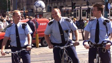 В Нидерландах бастуют полицейские, футбольные игры отложены