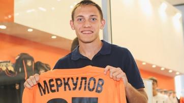 Михаил Меркулов продолжит карьеру в «Байкале»