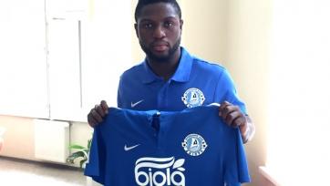 Официально: Бабатунде представлен в качестве игрока «Днепра»