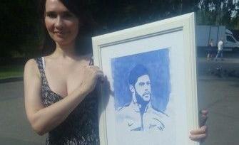 Халк получил в подарок от питерской художницы свой портрет