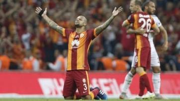 Фелипе Мело продлил контракт с «Галатасараем»
