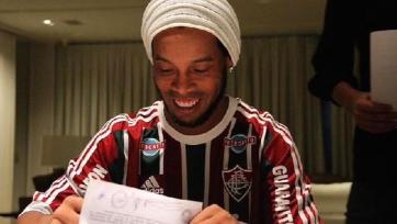 Роналдиньо расторг контракт с «Флуминенсе»