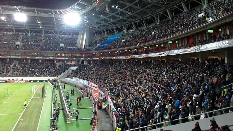 До 16 и старше. Как «Локомотив» возвращает публику на стадион