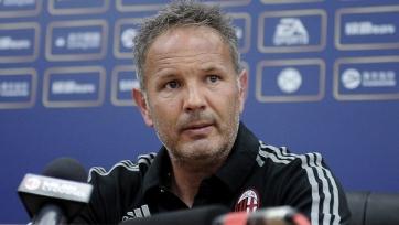 Синиша Михайлович не собирается покидать «Милан»