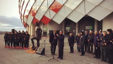 У стадиона «Открытие Арена» установили памятник Фёдору Черенкову