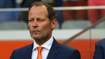 Официально: Блинд продолжит работать со сборной Нидерландов
