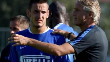 Нападающий сборной Албании извинился перед главным тренером