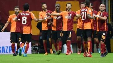 «Галатасарай» обыграл «Бенфику» и включился в борьбу за выход в плей-офф