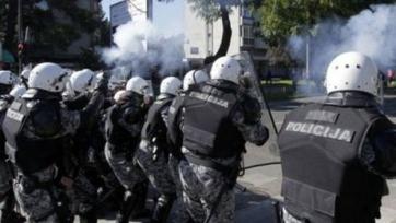 В Черногории протестует оппозиция, все футбольные матчи отменены