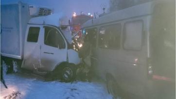 Микроавтобус с фанатами «Волги» попал в ДТП, есть жертвы