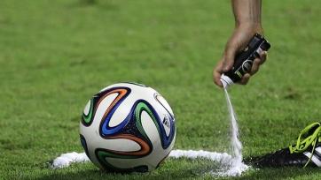 Арбитра закрыли на стадионе из-за неназначенного пенальти