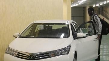 Варкен и Мбенге получили по новенькой «Тойоте» от Рамзана Кадырова