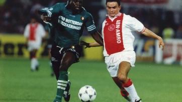16-е августа 1995-го года, матч за Суперкубок Нидерландов. Ульрих ван Гоббель сошёлся с Марком Овермарсом. Аякс победил в дополнительное время