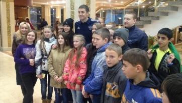 Футболисты сборной России встретились с воспитанниками ростовского детского дома