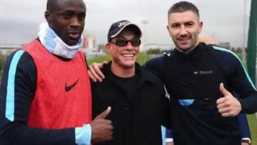 Жан-Клод Ван Дамм посетил тренировку «Манчестер Сити»