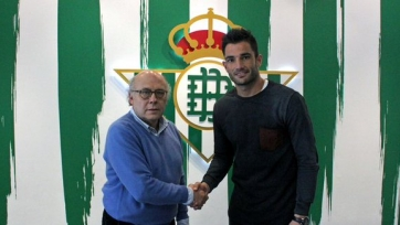 Антонио Адан продлил контракт с «Бетисом» до 2019-го года