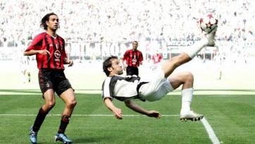 Дель Пьеро делает голевую передачу на Давида Трезеге, забившего единственный гол в матче 2005-го года