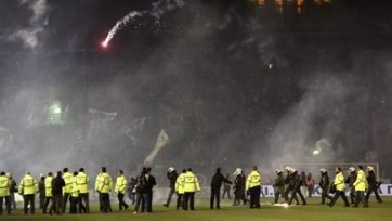 Афинское дерби было отменено из-за хулиганства болельщиков «Панатинаикоса»