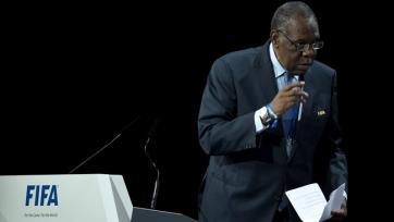 Исполняющий обязанности президента ФИФА засыпал во время исполкома (видео)