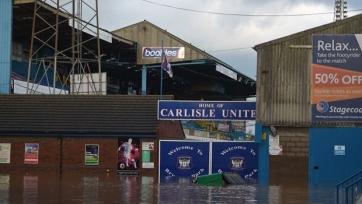 Голкиперу «Карлайл Юнайтед» пришлось спасаться от наводнения через окно