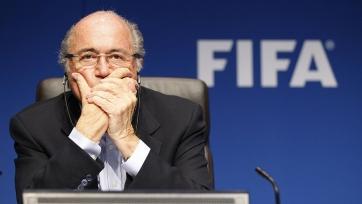 Блаттер сможет посещать футбольные поединки, несмотря на санкции