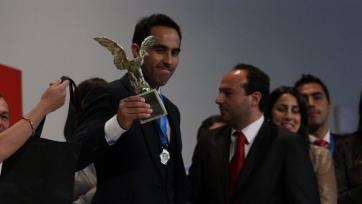 Браво стал лучшим футболистом года в Чили