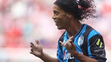 Официально: Роналдиньо подписал контракт с уругвайским «Расингом»