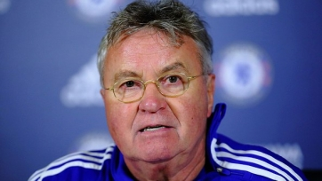 Хиддинк попросил не винить Фабрегаса в неудачах «Челси»