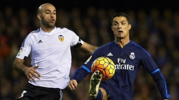 Зрелище на «Месталье: «Валенсия» отобрала очки у «Реала»