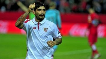Миланские гранды включились в борьбу за Банегу