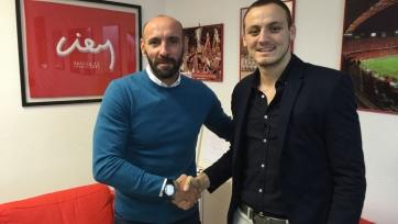 Официально: «Севилья» подписала 19-летнего черногорца
