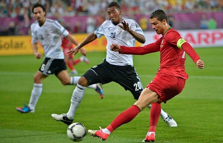«Роналду и Месси уделают тебя, если ты боишься их». Статья Жерома Боатенга для The Players' Tribune