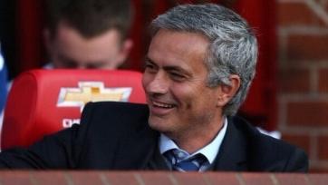 Контракт Моуринью с «МЮ» будет рассчитан на три года, зарплата тренера составит 20 млн. евро за сезон