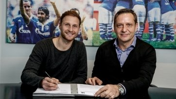 Официально: Бенедикт Хёведес продлил контракт с «Шальке»