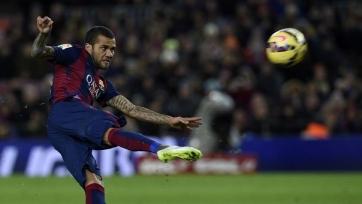 Дани Алвес: «Арсенал» недостаточно хорошо контролирует игру»