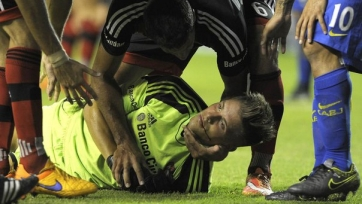 Карлос Тевес сломал вратарю «Ньюэллс Олд Бойз» челюсть (видео)