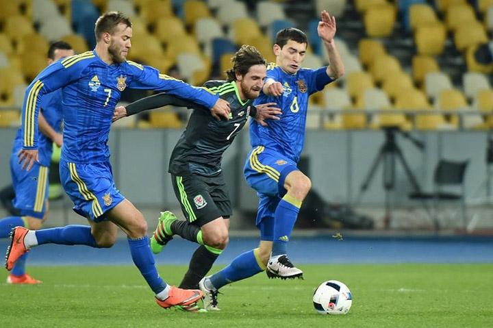 Одна победа на троих. Как играли соперники сборной России по Евро-2016