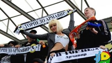 Футболисты «Торпедо» поработают заправщиками в честь женщин