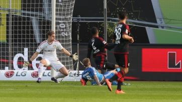 «Гамбург» забил, но выиграл «Байер»