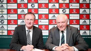 Официально: Майкл О'Нил остаётся на посту главного тренера сборной Северной Ирландии
