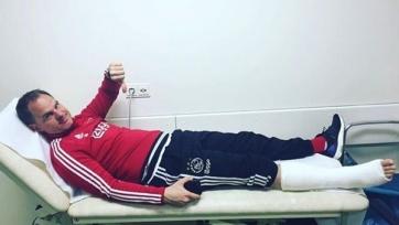 Де Бур получил серьёзную травму на одной из тренировок