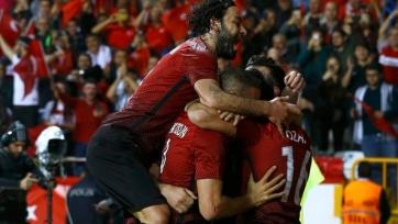 Дубль Тосуна принёс туркам победу над шведами