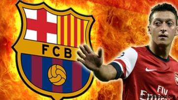 «Барселона» летом попытается подписать Озила