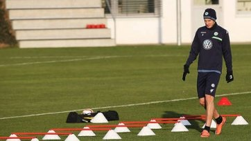 «Вольфсбург» отстранил Бендтнера от тренировок, контракт может быть расторгнут