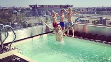 Мауро Икарди открыл купальный сезон