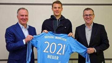 Официально: Нойер продлил контракт с «Баварией»