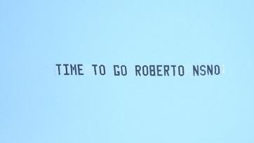Фаны «Эвертона» заказали самолёт, чтобы призвать Роберто Мартинеса уйти