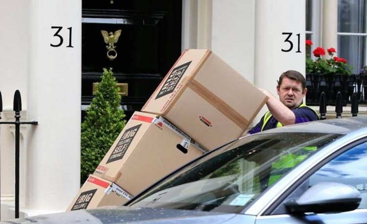 Жозе Моуринью покинул свой дом в Лондоне и вылетел в Манчестер